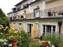 mag lifestyle magazin online reisen urlaub travel österreich wien heurigen landhaus hotel hotels fuhrgassl huber döbling neustift walde weingärten wein buschenschank