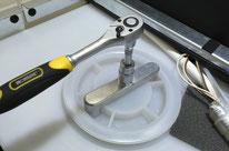 CaliOpener M oder Schlüssel zum Öffnen des Wassertanks