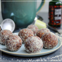 Espresso-pecan bliss balls