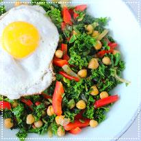 Gewokte boerenkool& kikkererwten met ei