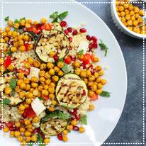 Parelcouscous salade met gegrilde courgette