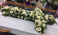 fleurs-naturelles-coupe-roses-veronique-cacte-lavande-cyclamen-rose-tige