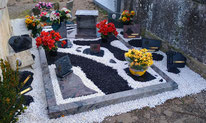 entourage-granit-caurne-externe-monument-funeraire-pernes-les-fontaines