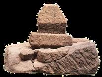 Stèle édicule funéraire croix guillaume saint-quirin site archéologique gallo-romain
