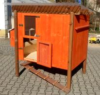 Für 2 -5 Hühner, mit 3 Nistkästen, Sitzstangen, Kotbrett, geteilte Tür und Hühnerleiter