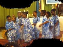 Les élèves de l'école Mère Jean  Gabriel au chant d'action de grâce