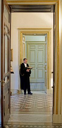 L'infilata delle porte dorate in oro zecchino