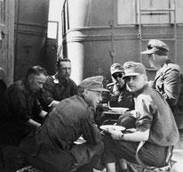 Offiziere und Mannschaften der Nachschubabteilung