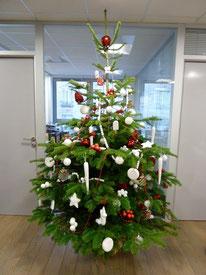 Sapin de Noël décoré par Mél'ange Fleurie