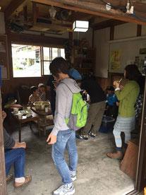 上野にある「納屋カフェ・ばぁちゃんち」で地元農産品をいただきます 大谷原の芋・久保茄子・上野きゅうり・しじみ汁などおいしくいただきました