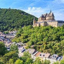 In den Ardennen sehen wir unzählige Festungen und Zitadellen