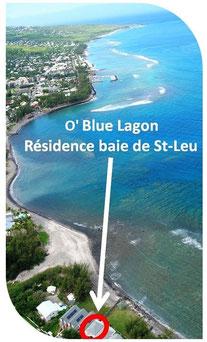 Blue lagon (bleu lagoon). Location de vacances située en front de mer. Accès à une petite plage et à son lagon protégé par une barrière de corail.