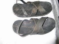 マサイ族が、ブリジストンタイヤで、作って履いていたサンダル