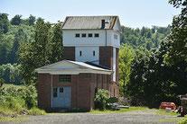 Lokhalle und Wasserturm Schotten