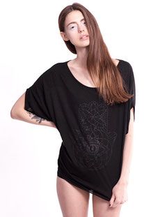 I AM VIBES – SHIRT «BLACK BAT WING HAMSA TOP""
