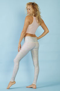 "TEEKI – LEGGINGS ""WHITE SNAKE OPAL HOT PANT"""