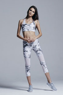 "VARLEY - CAPRIS ""AILEEN MARBLE TIGHT"""