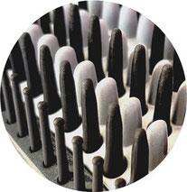 silber: Keramikbeschichtete Borsten schwarz: Silikon- und Kunststoffnoppen