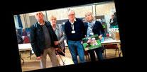 Le bénévoles et bénéficiaires de l'école de chiens d'aveugles de Roncq au Forum Culturel de la Différence de Crépy-en-Valois en 2017