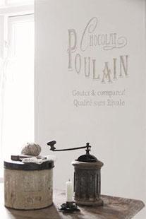 Pochoir Chocolat Poulain  de la collection Jeanne d'Arc Living