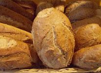 Pane integrale ai 3 cereali lievitato naturalmente.