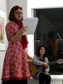 """""""Treibhaus"""" Einführung A. Senft-Rubarth, Gitarre und Gesang Ignez Carvalho"""