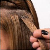 Bild: Haarverlängerung Verbindungsstellen Nano Bonds im Fokus