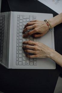 In den Händen eines Muttersprachlers sind Ihre Texte bestens aufgehoben.
