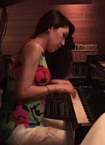 ピアノ小浜早佑梨