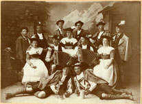Trachtengruppe 1908