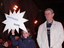 2- Chaque enfant apporte à tour de rôle une étoile symbolisant Amour-Partage-Abondance-Santé-Joie.