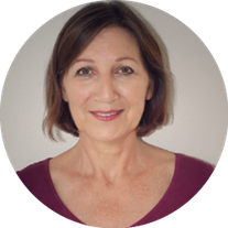 Eveline Cassim, Yogatherapeutin IIH