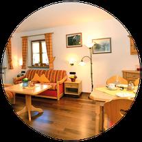 Hubers Ferienwohnungen, Ferienwohnungen in Mittelberg im Kleinwalsertal für 2 bis 5 Personen. Apartement, finnische Sauna, einheimische Gastgeber, WLAN, Mittelberg, Bödmen