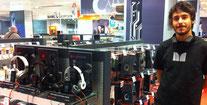 Promotores de A10 para auriculares Monster y Beats en centros de El Corte Inglés