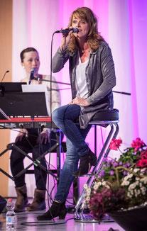 Juliane Schönebeck und Thea Eichholz. Foto: Forum Wiedenest