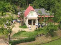 「サツキとメイの家」(2005年7月29日撮影)