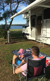 Lake Macquarie mit Baby im Camper