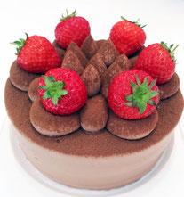 チョコクリームデコレーションケーキ  苺