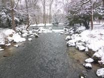 Eisbach - Englischer Garten                   Foto: Heidrun Langer