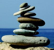 Wie können wir mit Steinen auf unserem Lebensweg umgehen? Beratung bei Mobbing, inneren Konflikten und Lebenskrisen, MediTrigon Freiburg