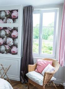 """Maison d'hôtes Abbeville Baie de Somme Hauts-de-France Appartement pour 1 à 3 personnes """"Les deux ponts"""" au 1er étage, pour amis, famille avec enfants, côté cour et côté jardin, vue sur jardin"""