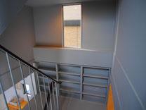 階段室 個室前より