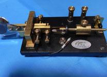 パイプの回転 / スイッチの出し入れすることで、短点の調整が出来る。