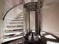 Runder Aufzug aus Glas
