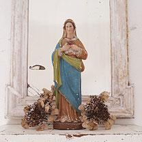 shabby statue jesus vintage