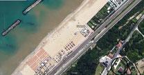 Vista dal satellite della casa e della vicinissima spiaggia