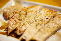 日本 北海道 居酒屋の豚ロース焼肉