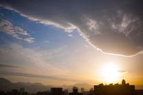 日本 北海道 札幌 まぶしい夕焼け