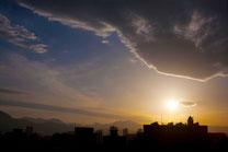 日本 北海道 札幌 沈みゆく太陽 夕焼け