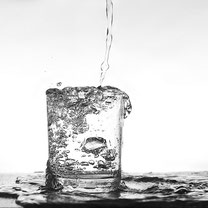 水素だけが水にも油にも溶ける唯一の抗酸化物質